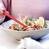 One Pot Pad Thai with Prawns & Tofu